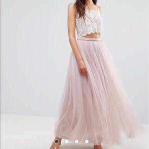 NWT... Beautiful tulle maxi skirt. Size 12